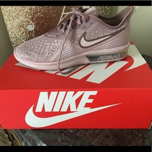 Women's Nike Air Max Sequent 4 - Pink